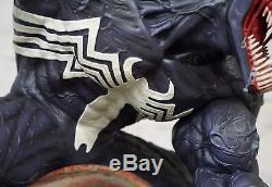 1/4 Venom custom maniac statue by salt and pepper. Not sideshow statue