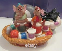 Disney Cinderella Lucifer Gus Jaq Sewing Mice Pink Dress Salt and Pepper Shakers