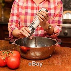 Hot Salt and Pepper Shaker 2 in 1 Dual Ended Design Salt Shaker Pepper Grinder M