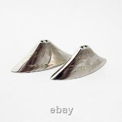 Japanese Engraved Mount Fuji Salt Pepper Shakers 950 Sterling Silver