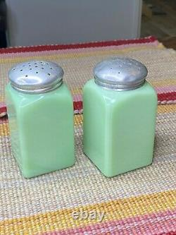 McKee Jadeite Green Milk Glass Block Lettering Salt Pepper Range Shakers Set