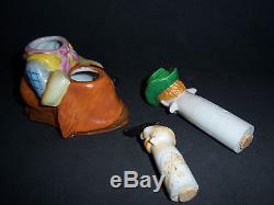NODDER COWBOY & GUN Nodding Salt & Pepper Shakers S & P Nodders