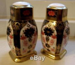 Pristine Royal Crown Derby OLD IMARI GOLD BAND Salt & Pepper Shakers