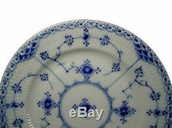 ROYAL COPENHAGEN china BLUE FLUTED half lace SALT & PEPPER SHAKER Set 711/712