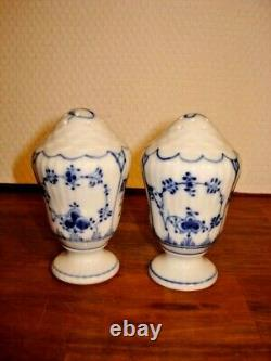 SALT & PEPPER Set BLUE FLUTED plain pattern 1-541 & 1-531 Royal Copenhagen