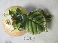 SET Salt Pepper Shakers Strawberry Swarovski Crystal JAY STRONGWATER Collectible