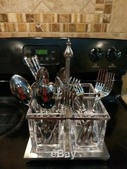 Southern Living At Home/Willow House 20 PC flatware and Astoria caddy