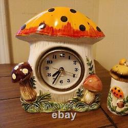 Vintage Sears 1978 porcelain Mushroom Clock and salt and pepper shakers