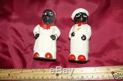 Vintage Set of Vintage Black Salt and Pepper Shakers