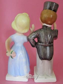 WEST POINT ACADEMY CADET & LADY KISSING & SALUTING Salt and Pepper Shakers